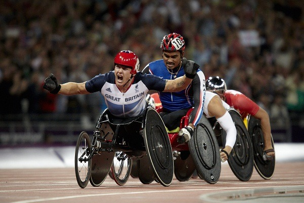 David Weir winning gold in the Paralympics